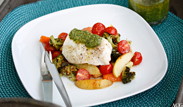 torsk med pesto og ovnsbakte grønnsaker